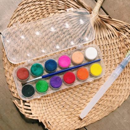 水彩画がもっと身近に!小さい子どものお絵かきにオススメのセリアで買える画材2つ【本日のお気に入り】