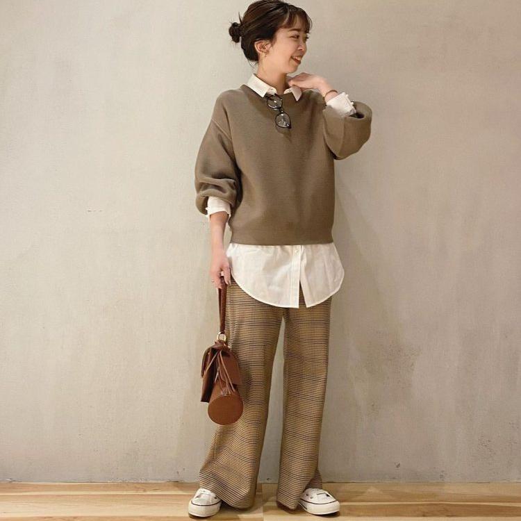 この秋マストの「柄物ボトムス」おしゃれな大人の着こなし方【kufuraファッション調査隊】