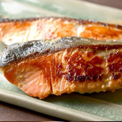 ふっくら絶品!「秋鮭のヨーグルトみそ漬け」でご飯が進むごちそうに【ちょこっと漬け♯95】